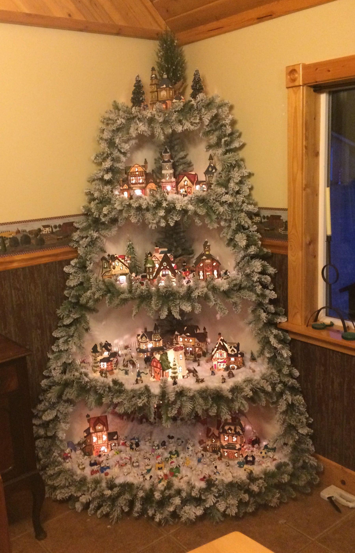 albero di Natale con Presepe