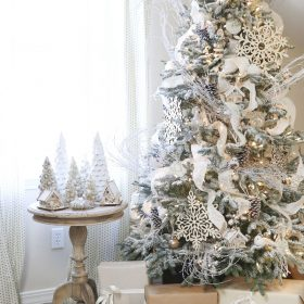 albero di natale bianco neve
