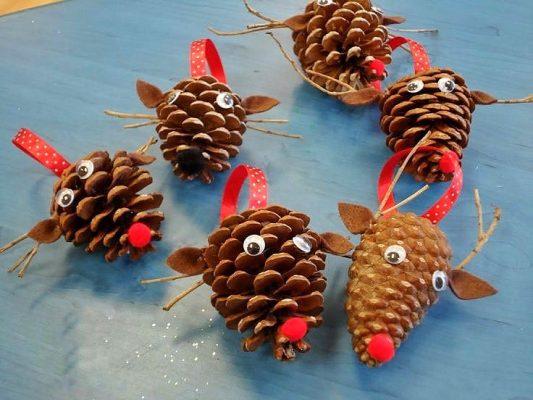 Decorazioni di Natale da fare con i bambini renne di babbo natale