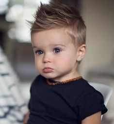 Taglio di capelli bambino moderno e originale