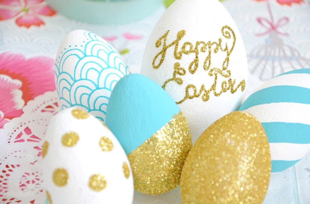 Uova di Pasqua con brillantini