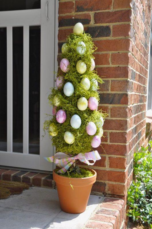 Albero di Pasqua esterno