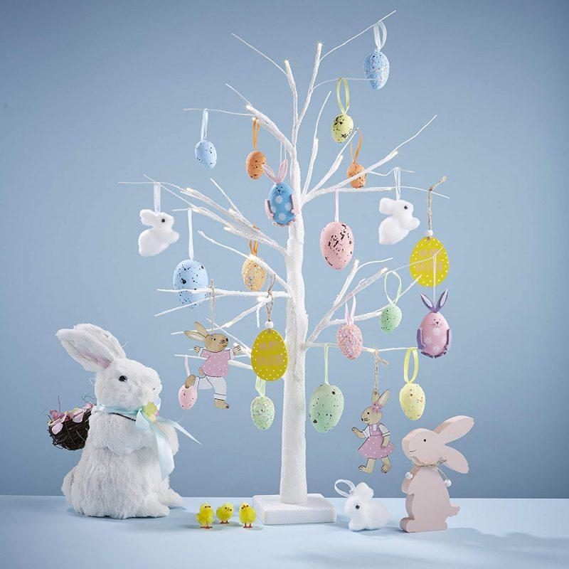 Albero di Pasqua con rami bianchi