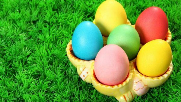 Uova di Pasqua colorate fai da te