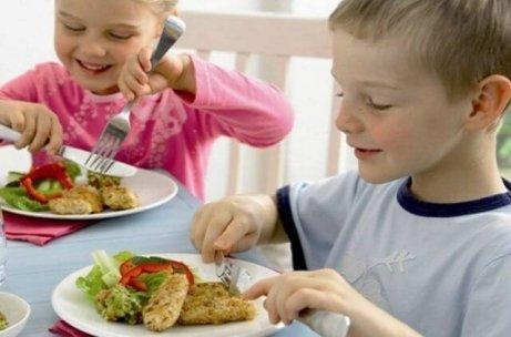 Come riuscire a far mangiare il pesce ai bambini