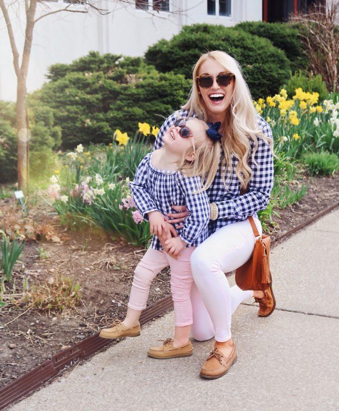 Mamme e figlie vestite uguali