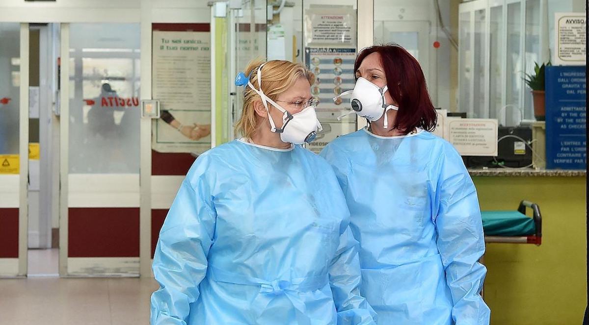 Mamme infermiere: non possiamo più abbracciare i nostri figli