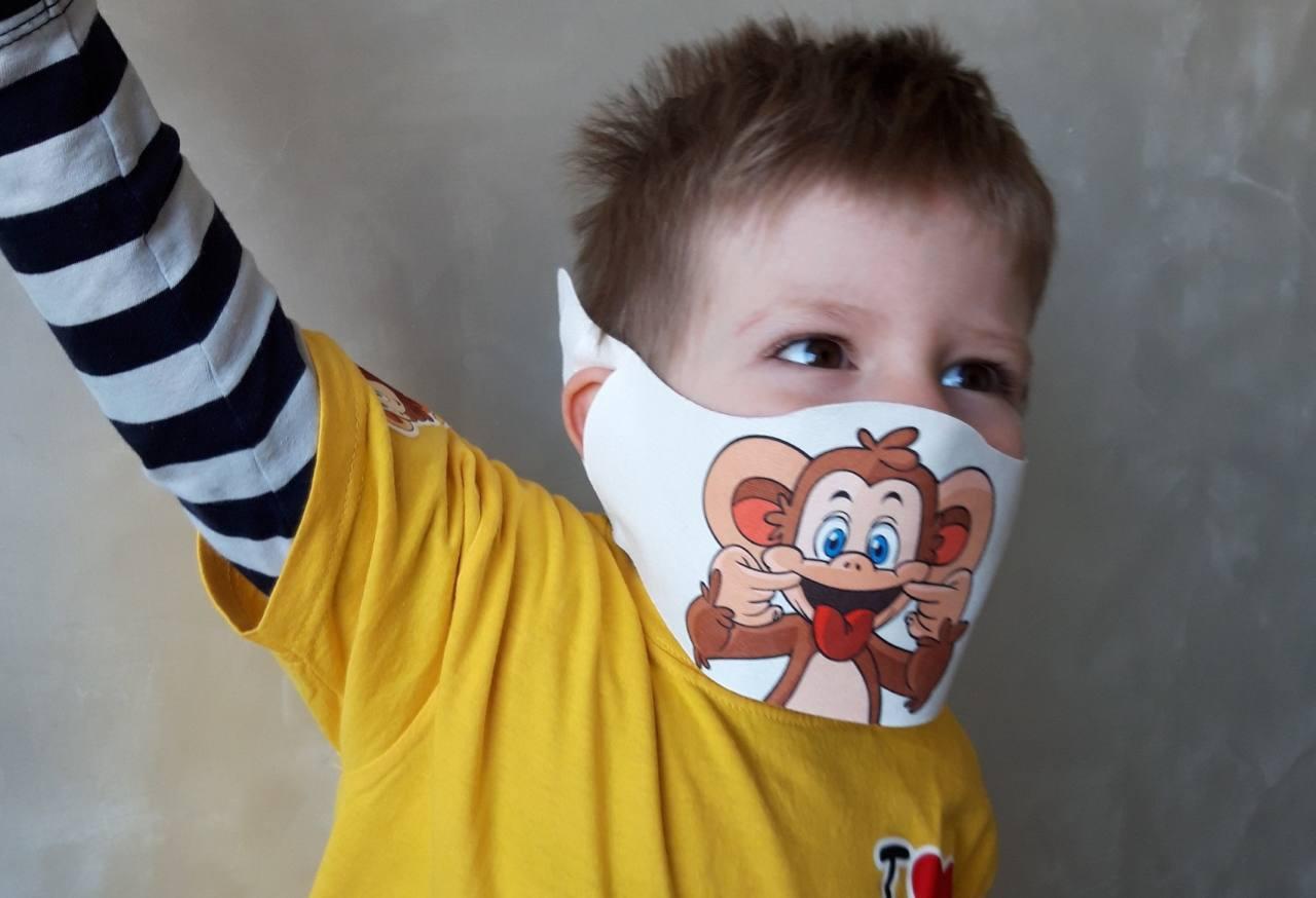 Mascherine bambini coronavirus: per i più piccoli colorate e a fumetti
