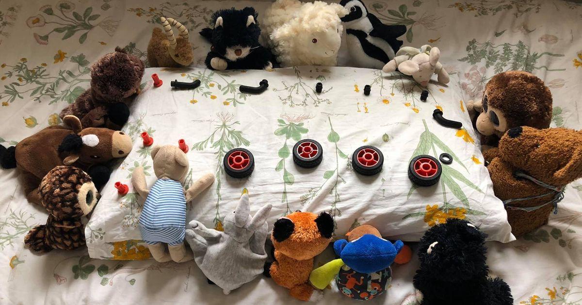 Bambini e quarantena: una festa di compleanno con i peluche