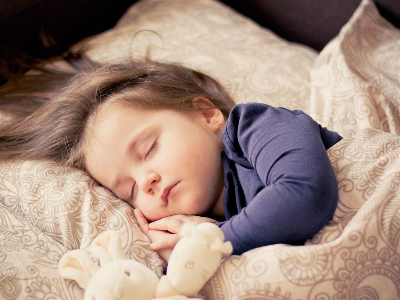 Enuresi notturna bambini: cos'è, cause e rimedi
