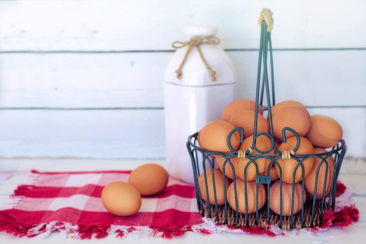 Uova in gravidanza: si possono mangiare? Ecco come cuocerle