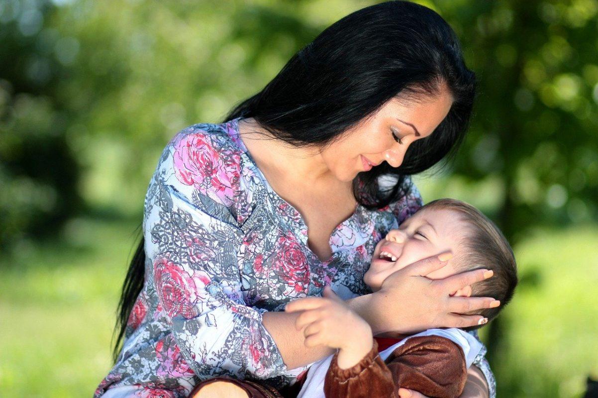 Abbracciare: una delle cose migliori che possiamo fare per i nostri figli