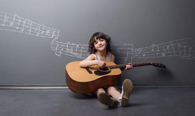 Strumenti musicali per bambini: quali scegliere in base all'età