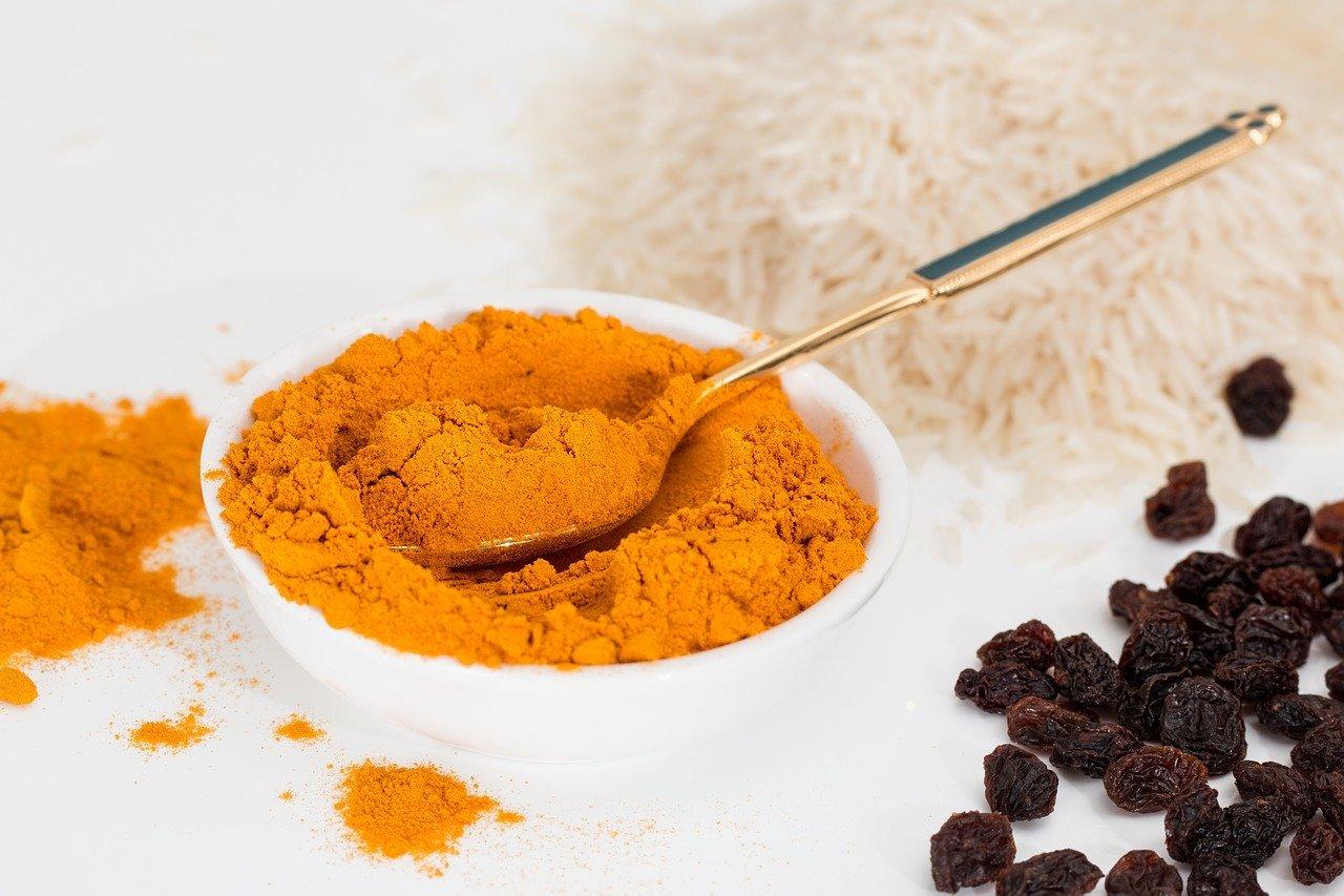 Curry in gravidanza: è possibile mangiarlo? E le altre spezie?