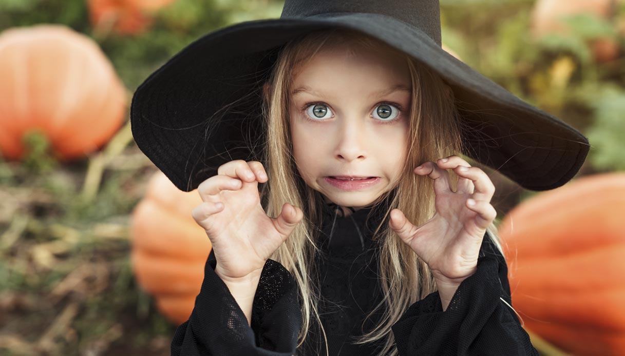 Trucco strega bambina per Halloween: ecco come realizzarlo