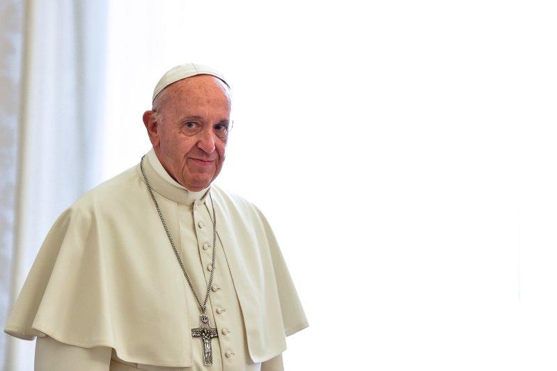 Frasi cresima papa Francesco: le più belle per bigliettini di auguri e inviti