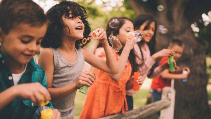 aiutare i bambini a prendersi cura delle loro cose