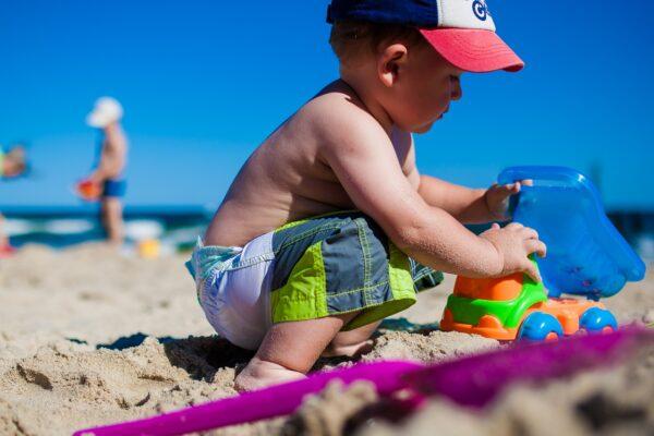 Proteggere i bambini al sole