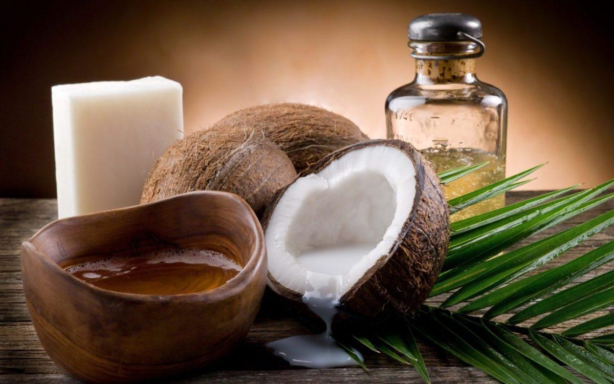 Olio di cocco: usi, proprietà e benefici