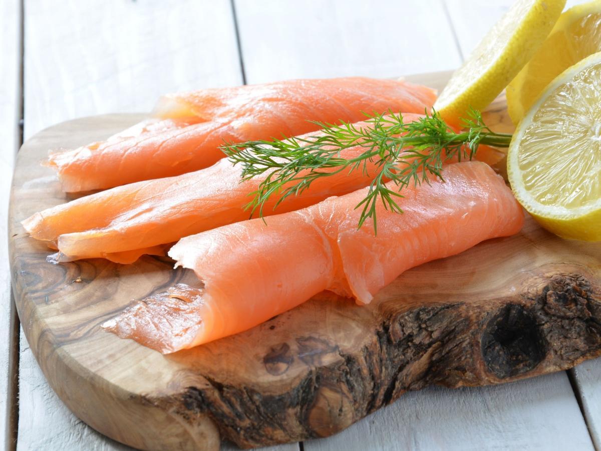 Pesce in gravidanza: si può mangiare? Quali sono i rischi?