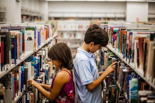 Giochi per imparare a leggere e come abituare i bambini alla lettura