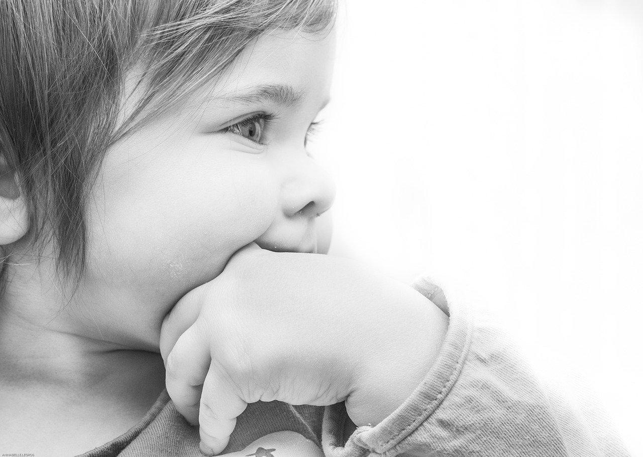 Primi dentini neonato: quando spuntano e cosa bisogna aspettarsi