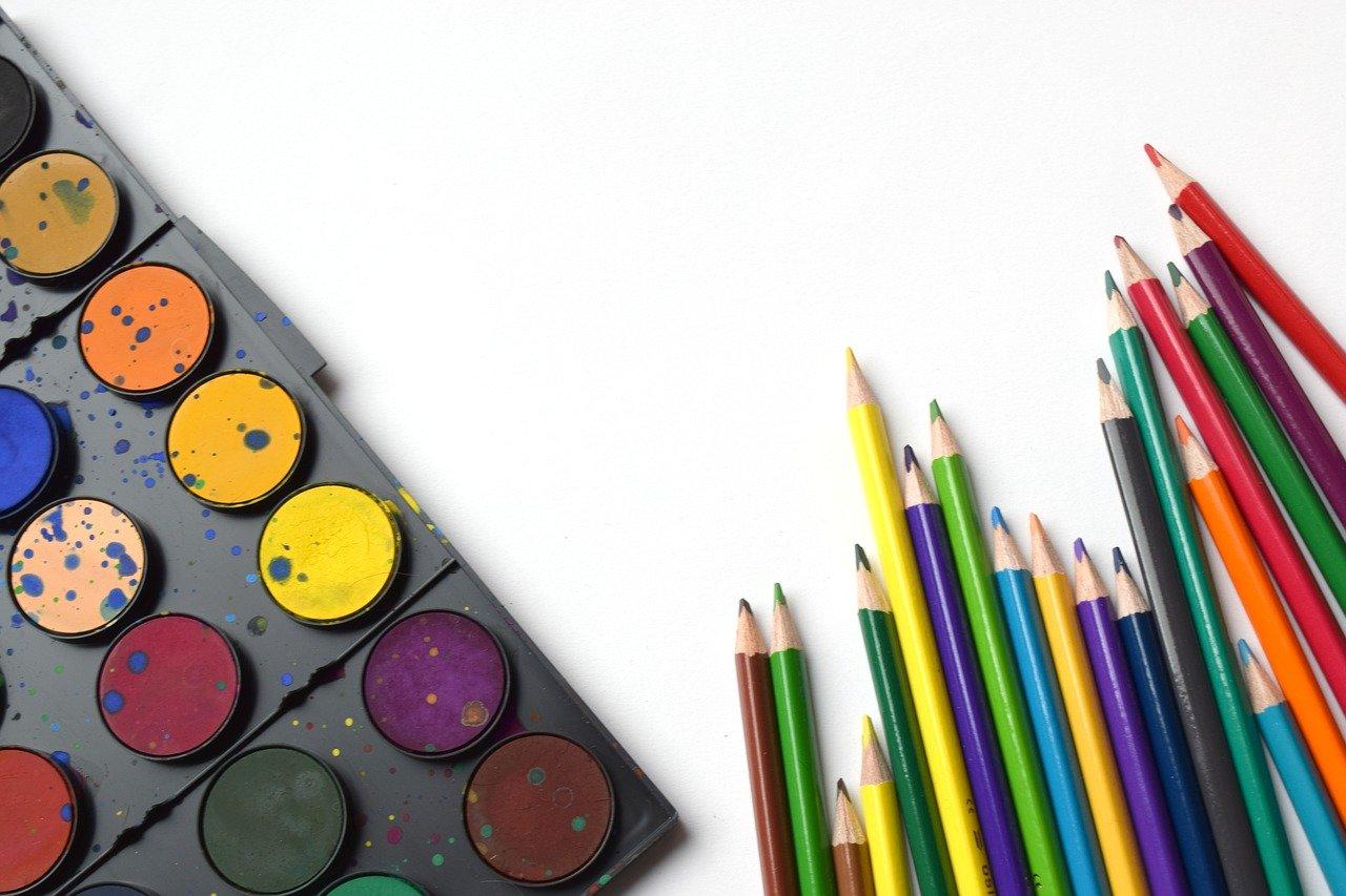 Colori per bambini piccoli: quali scegliere? Pastelli, matite o pennarelli?