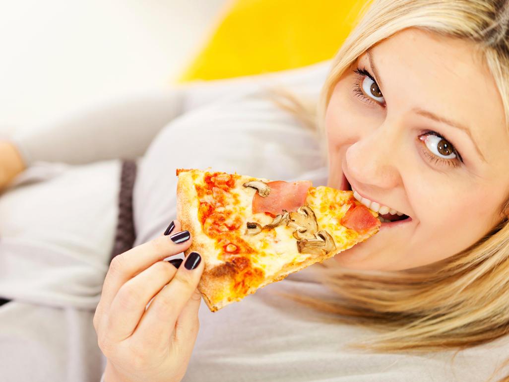 Pizza in gravidanza: cosa dicono gli esperti? E' possibile mangiarla?