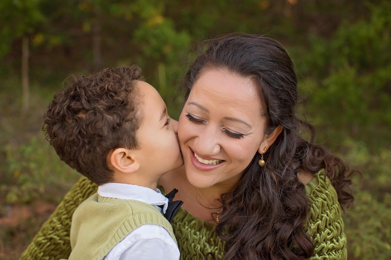 Frasi sulle mamme: le migliori che possono far sentire bene una mamma