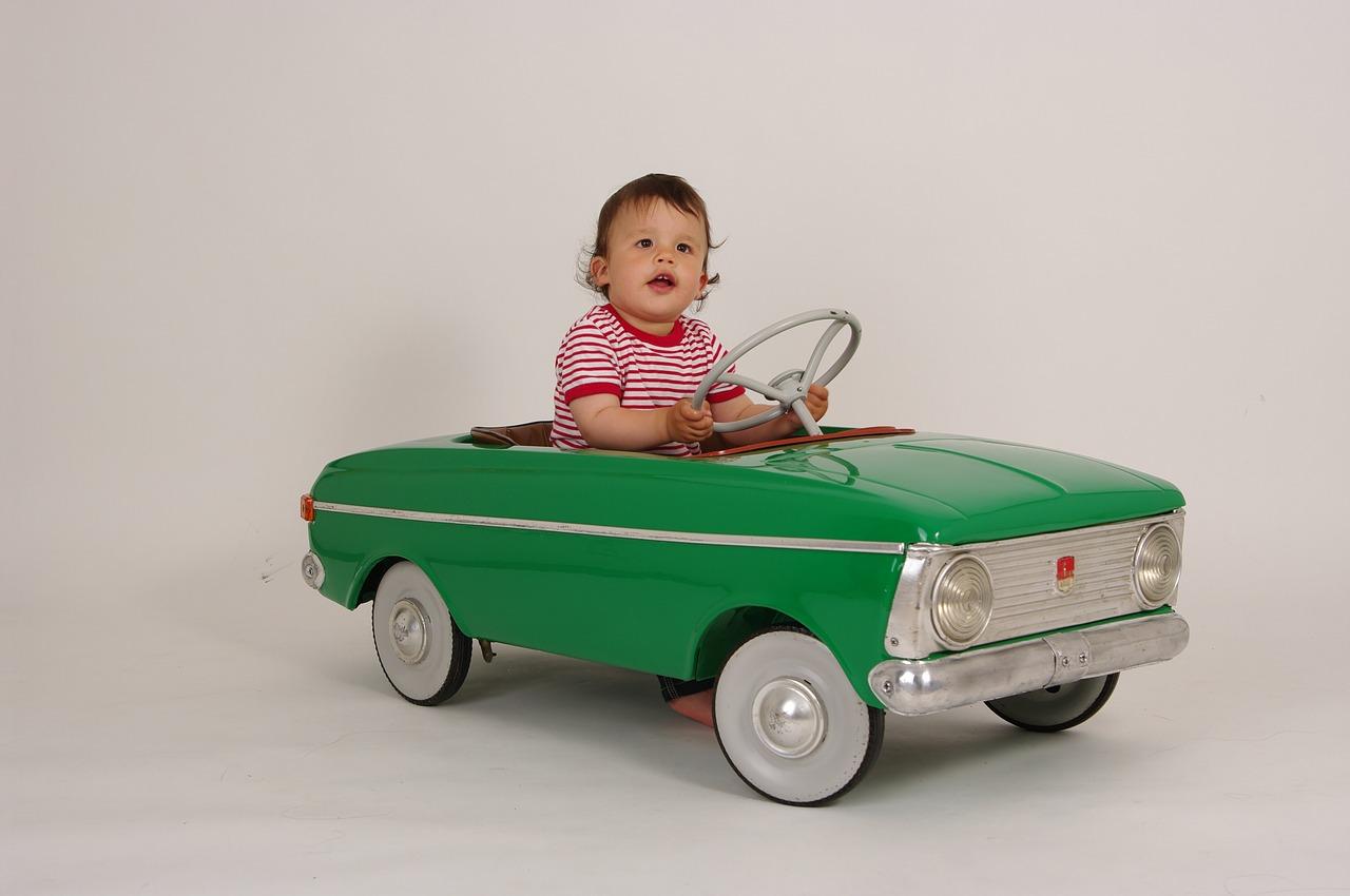 Mal d'auto bambini: cos'è la cinetosi, come si previene e quali sono i rimedi