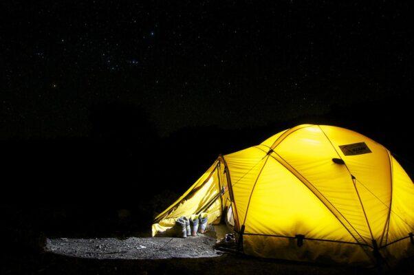 Campeggio in tenda con bambini: ecco una lista di tutto ciò che è necessario portare