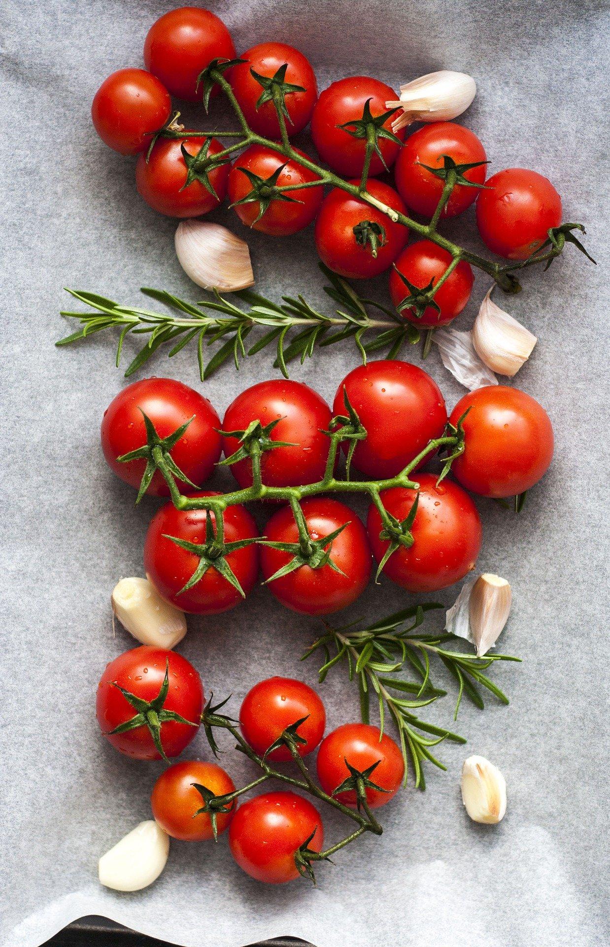 Pomodori in gravidanza: si possono mangiare? I consigli dell'esperto
