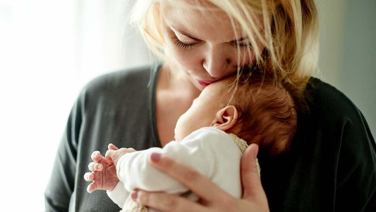 Crioconservazione del tessuto ovarico: diventare mamme dopo la chemioterapia