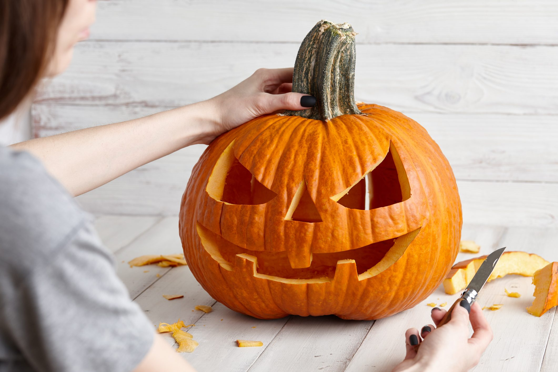 La zucca di Halloween: come ritagliarla insieme ai bambini