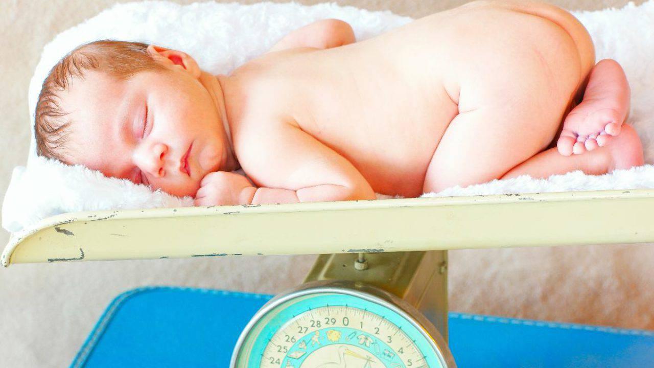 Calo fisiologico neonati: perché avviene? Quello che devi sapere