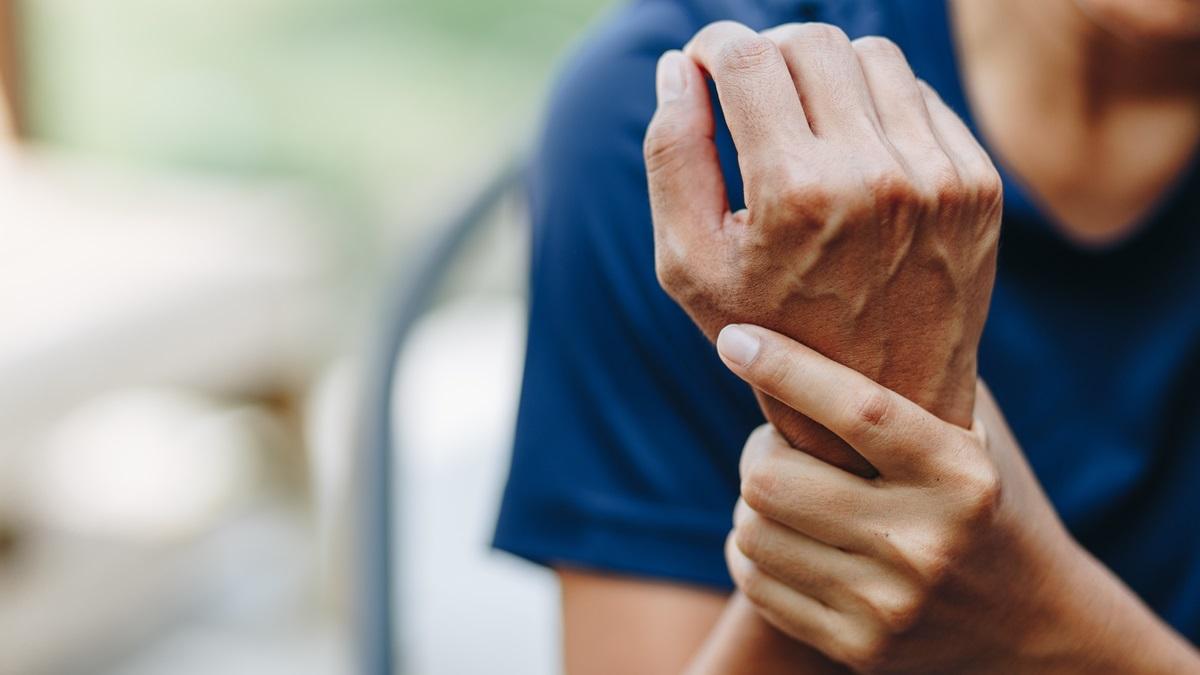 Tunnel carpale: sintomi, rimedi e intervento