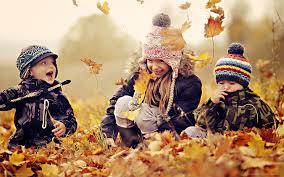 Giochi d'autunno da fare con i tuoi bambini all'aperto