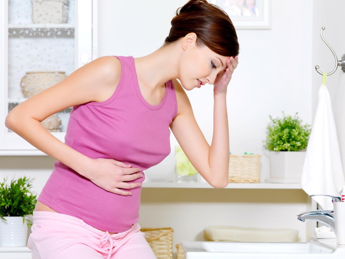 Dolori da ciclo in gravidanza: perché si manifestano? Quali sono le cause?