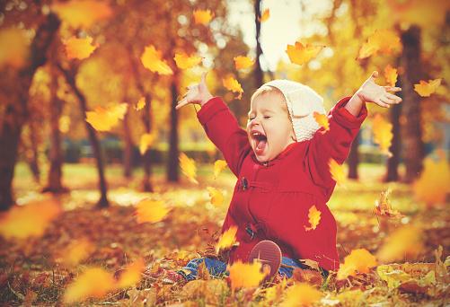 Nomi per bambini ispirati all'autunno: ecco i più belli