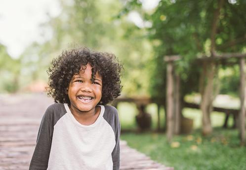 Nomi esotici maschili: ecco i più belli per il tuo bambino