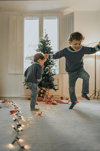 Girotondo di Natale: testo della canzone
