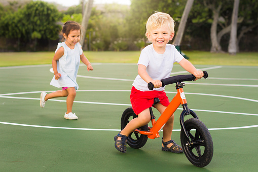 Come scegliere la bicicletta senza pedali? Ecco le migliori