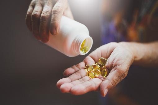 vitamina d bambini fino a che età vitamina d bambini controindicazioni  vitamina d a cosa serve  vitamina d neonati  vitamina d bassa sintomi  insufficienza vitamina d