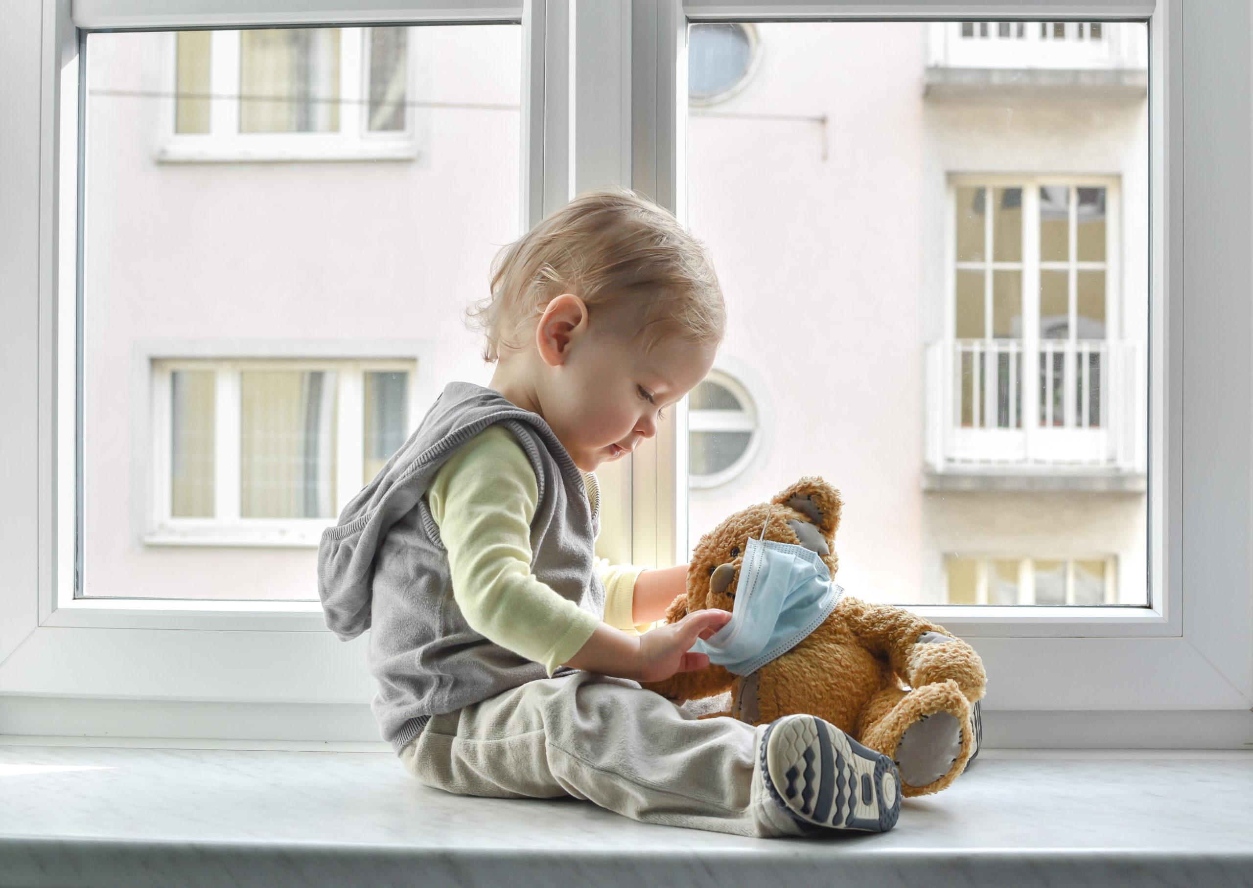 Salmonella nei bambini: come si cura, rischi, quanto dura, rimedi