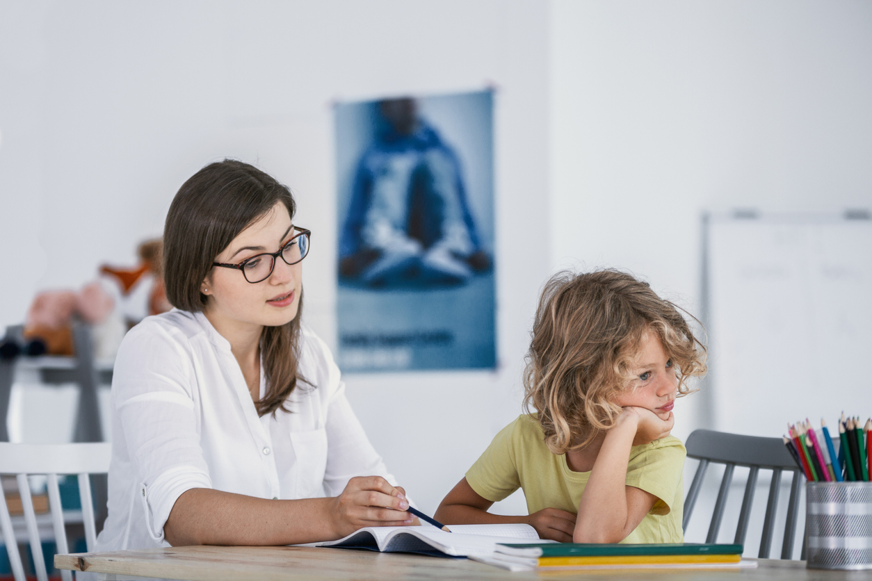 Iperattività nei bambini: cause, sintomi, come comportarsi