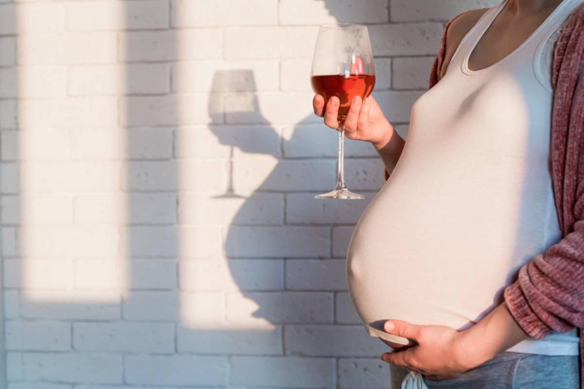 Alcol in gravidanza: conseguenze, effetti pericolosi sul bambino, cosa dice l'OMS