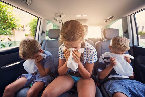 Vomito nei bambini: cause e rimedi, cosa dare, quando preoccuparsi, farmaci, cosa mangiare