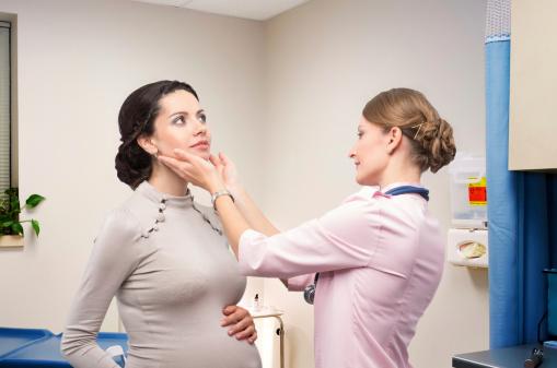 TSH bassissimo in gravidanza: quando preoccuparsi, sintomi, rischi, conseguenze