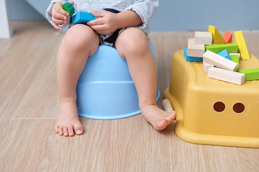 Cistite nei bambini: cause, rimedi naturali, cibi da evitare, cosa dare, cura